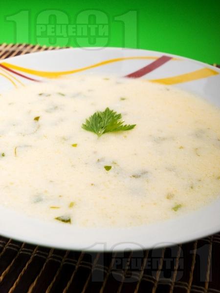 Бърза картофена супа с кисело мляко и грис - снимка на рецептата